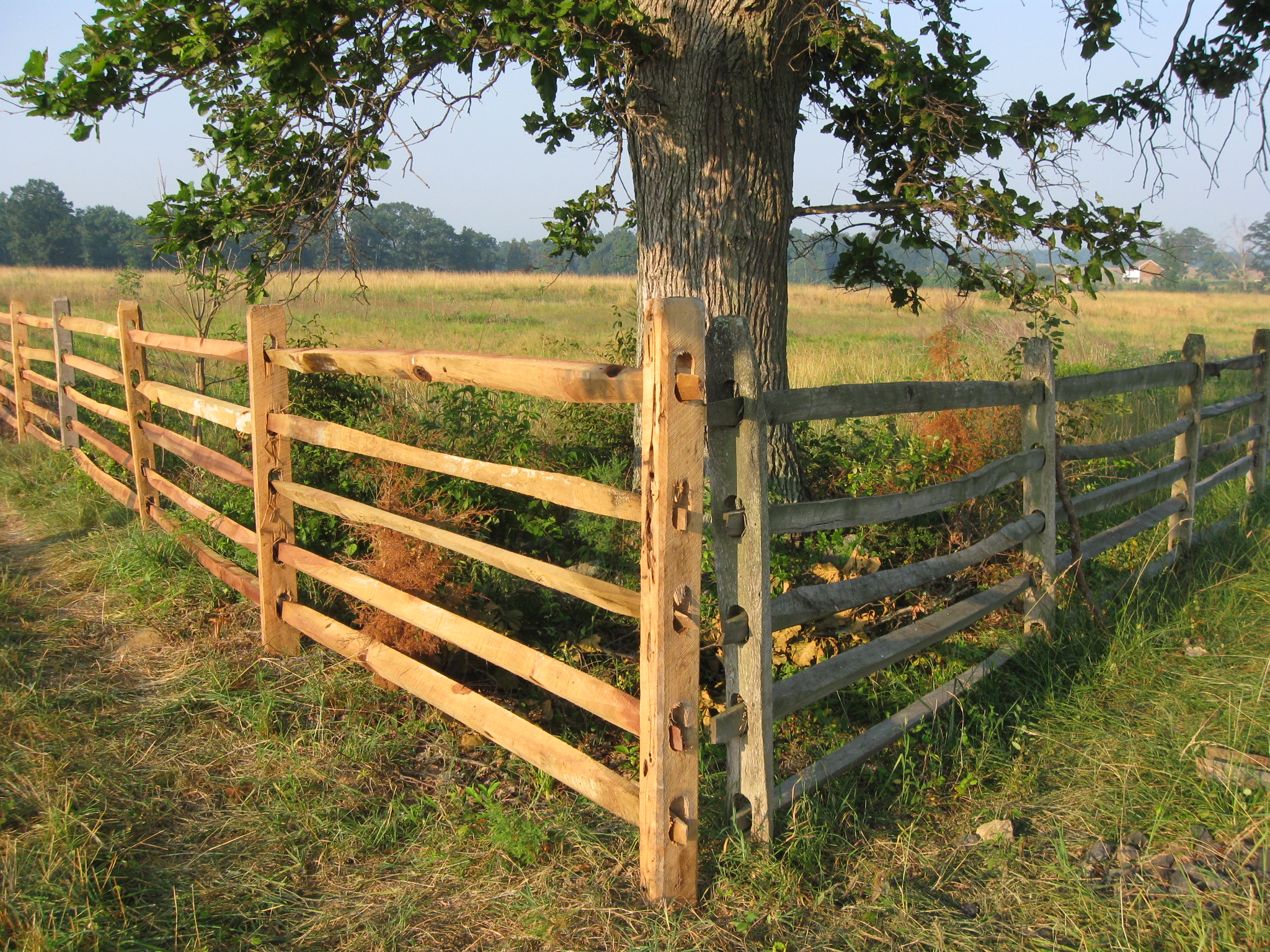 Cemetery ridge fence rebuilt gettysburg daily for Rustic fence ideas