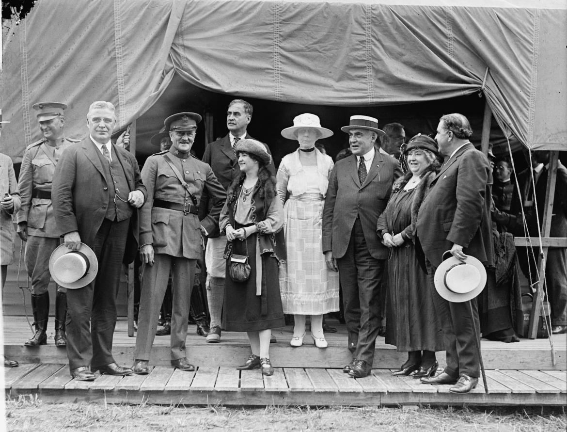 President Harding with dignitaries