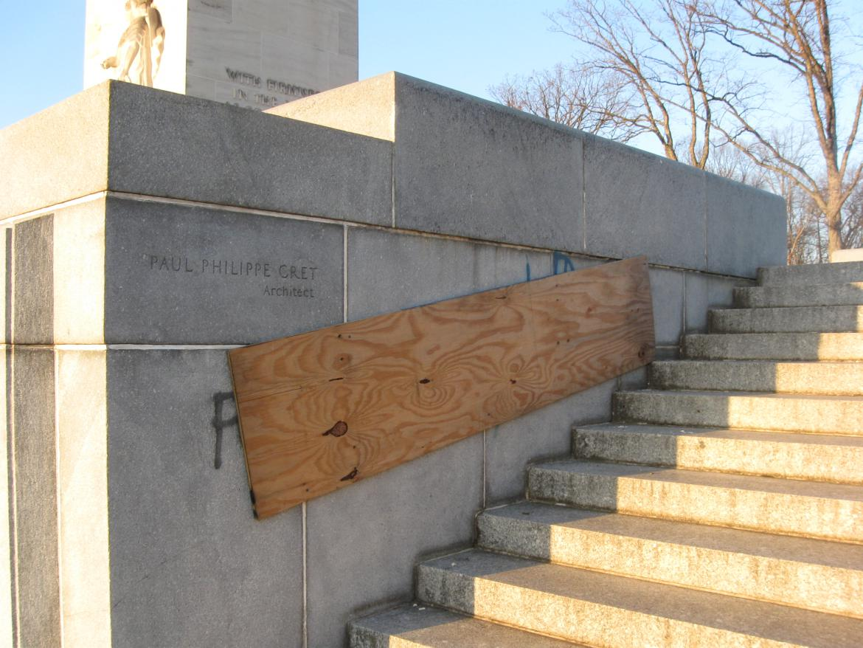 Graffiti along the stairs