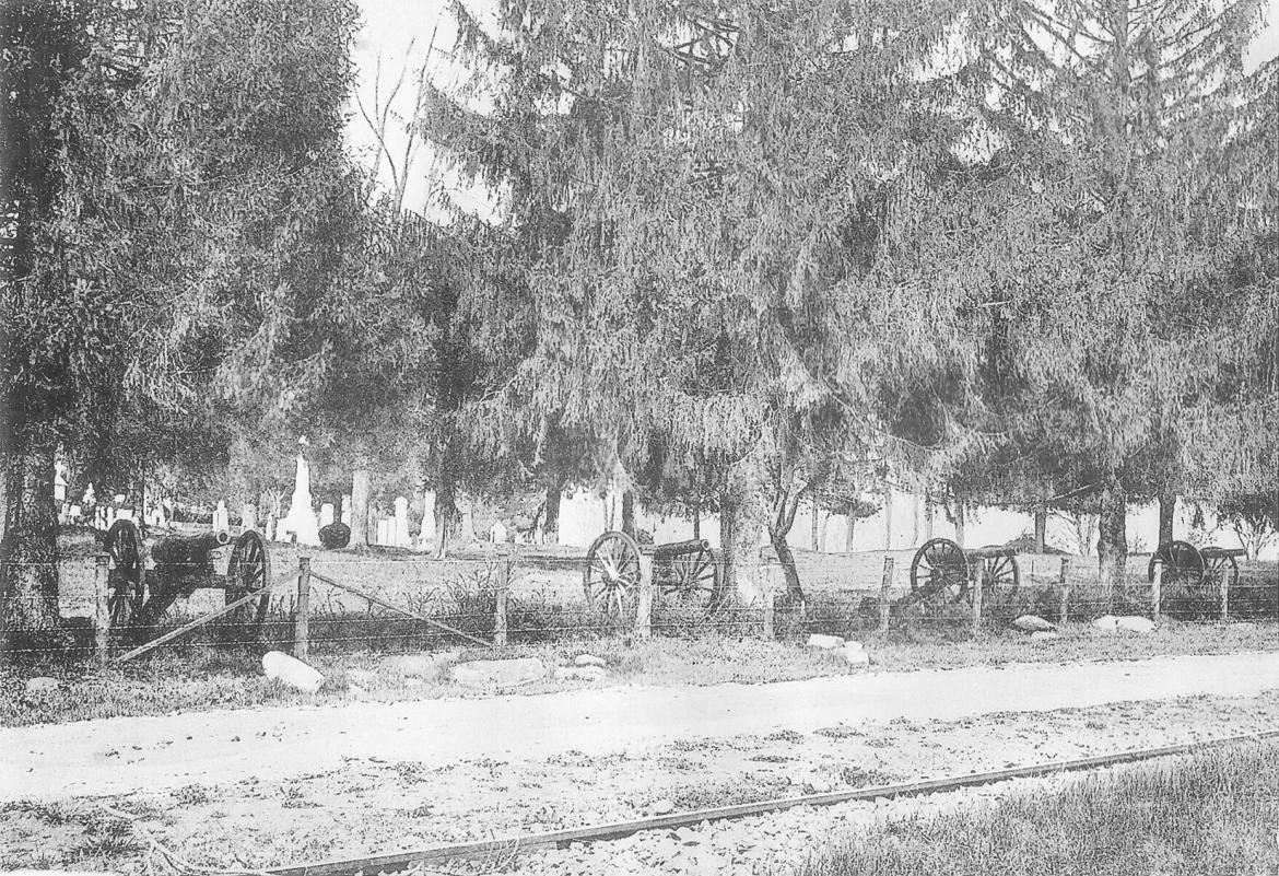 Historic photo of trolley on Cemetery Hill