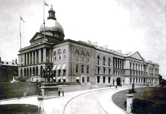 1895 photo of the Massachusetts State House